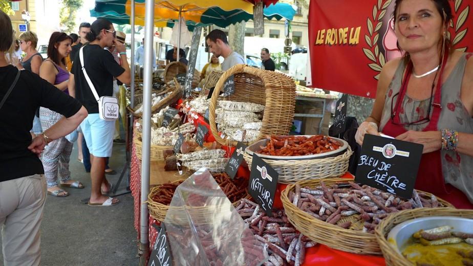 Le marché de Saint-Tropez est un bel endroit pour goûter aux produits de la région. (Photo Philippine de Tinguy, collaboration spéciale)