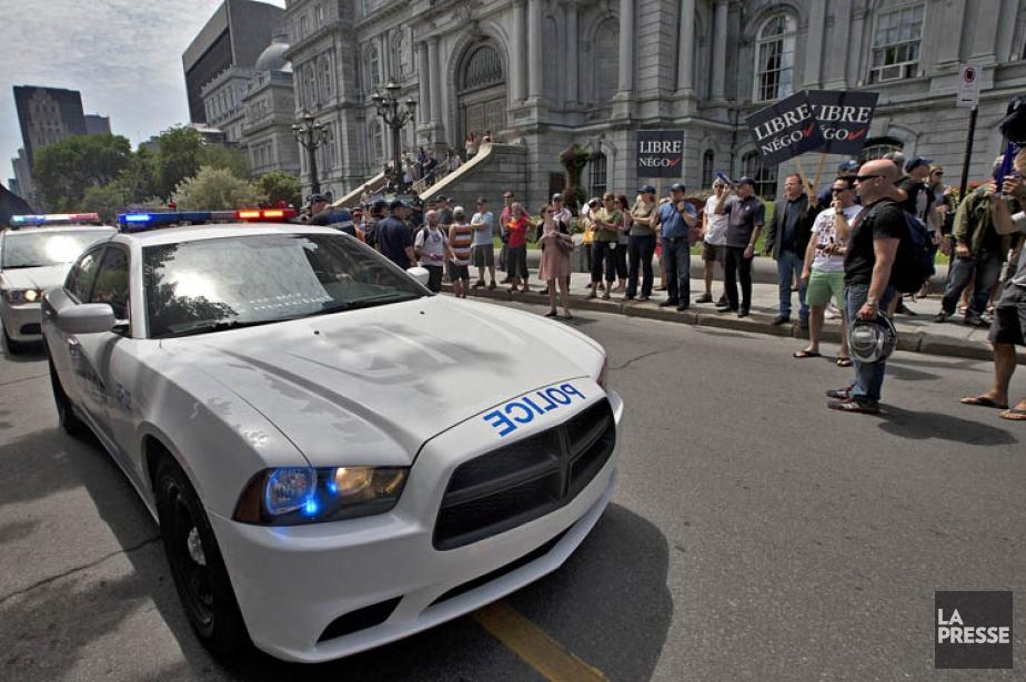 Une manifestation syndicale des pompiers et policiers de... (Photo: Patrick Sanfaçon, archives La Presse)