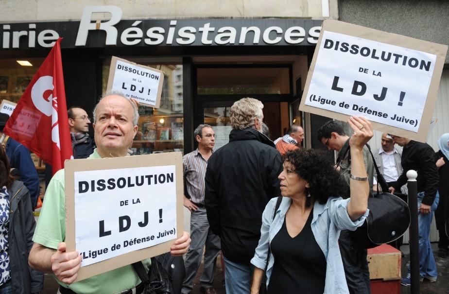 La France songe ces jours-ci à dissoudre la... (Photo archives Agence France-Presse)