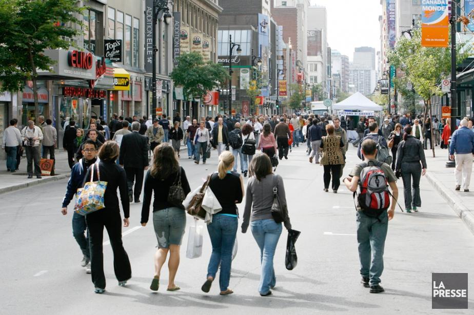 Sainte-Catherine Ouest pourrait devenir une magnifique rue piétonne.... (Photo Sébastien Pedraglio, archives La Presse)