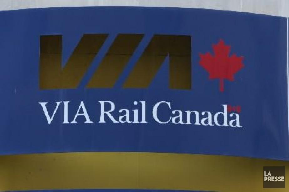 Le service des trains de Via Rail a repris... (PHOTO ARCHIVES LA PRESSE)