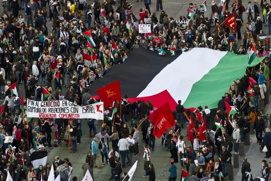 Au Chili résident environ 300 000 Arabes, constituant... (PHOTO MARTIN BERNETTI, AFP)