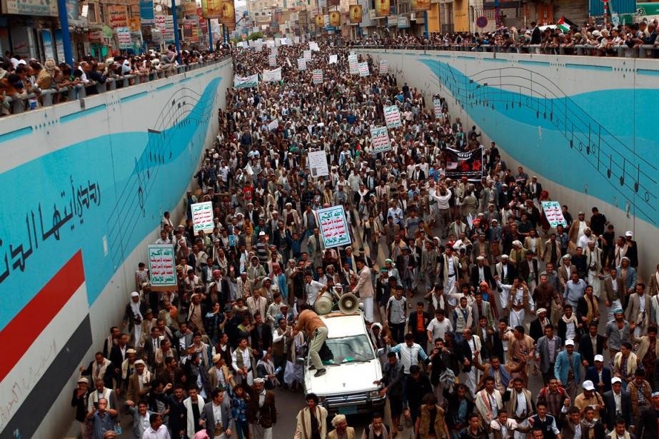 La manifestation antigouvernementale à Sanaa, la capitale yéménite,... (PHOTO MOHAMMED HUWAIS, AGENCE FRANCE-PRESSE)