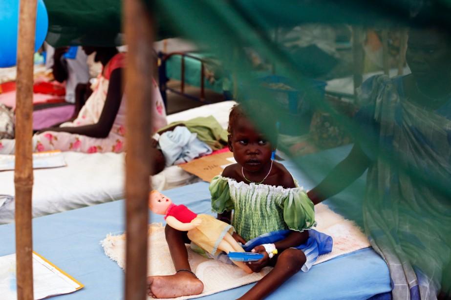 Des personnes dépalcés ont trouvé refuge dans un... (PHOTO ANDREEA CAMPEANU, ARCHIVES REUTERSeanu)