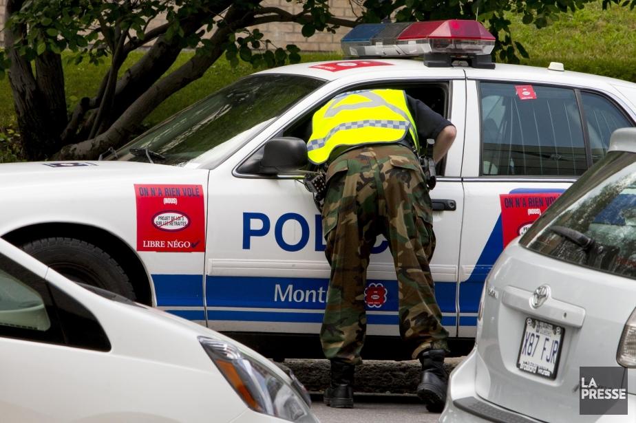 Quelques centaines de policiers ont de nouveau exprimé... (PHOTO ALAIN ROBERGE, LA PRESSE)