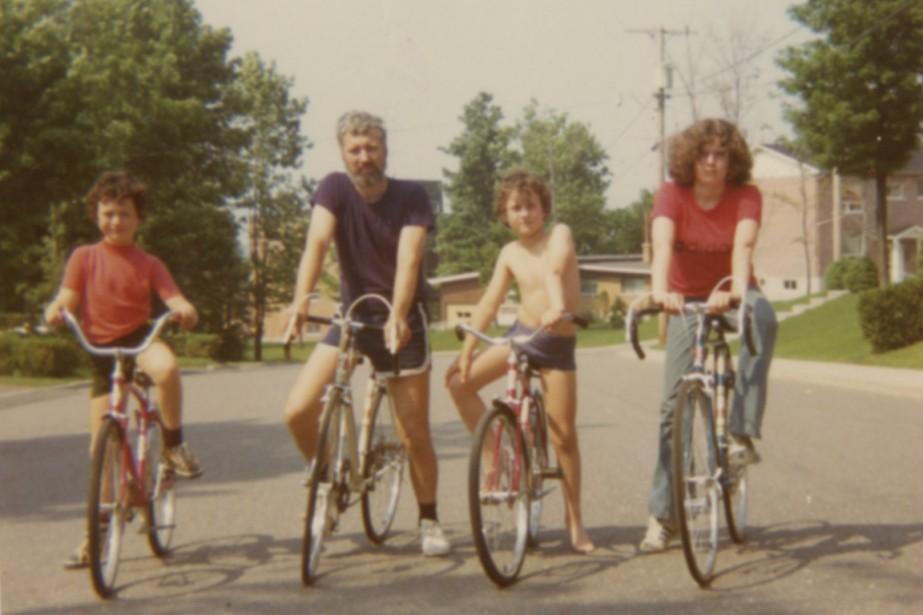 Balade en vélo près de la maison familiale,... (PHOTO FOURNIE PAR VINCENT MARISSAL)
