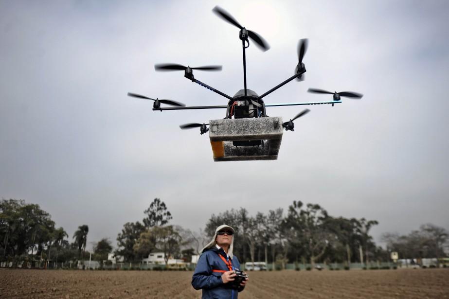Voitures sans chauffeur, drones effectuant des livraisons, assistants... (PHOTO ERNESTO BENAVIDES, ARCHIVES AFP)
