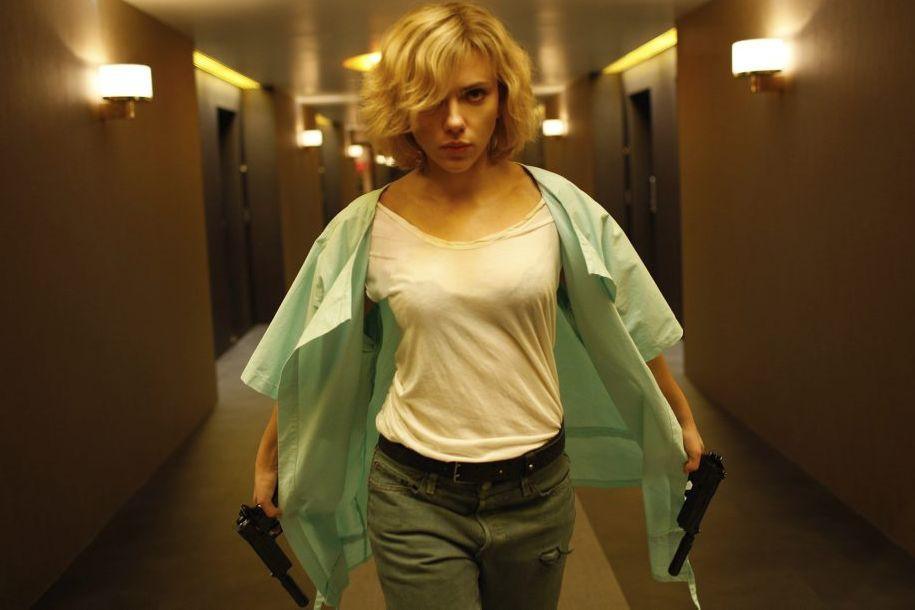 Scarlett Johansson dans une scène de Lucy de... (PHOTO FOURNIE PAR UNIVERSAL)