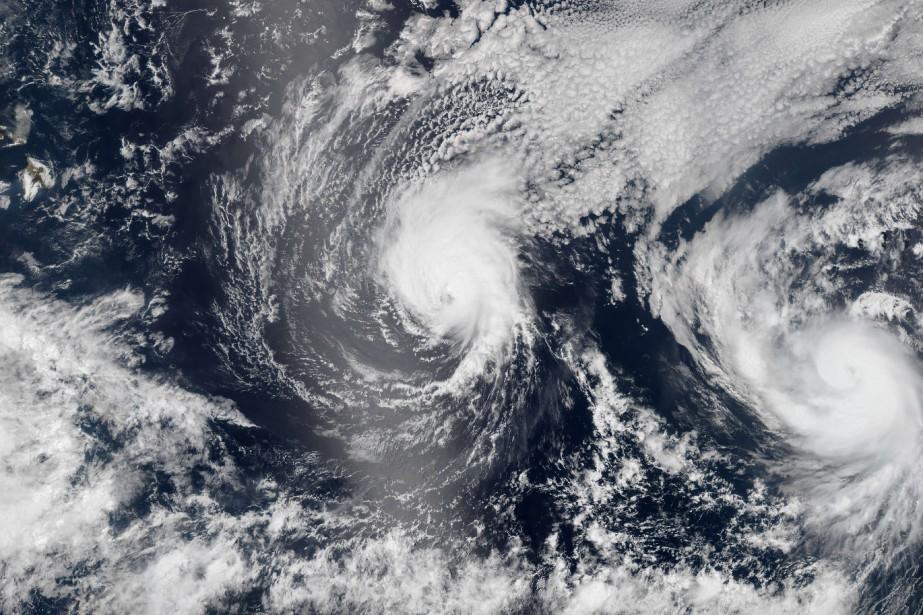 L'oeil de l'ouragan Iselle devrait frôler voire toucher... (Photo NASA, AFP)
