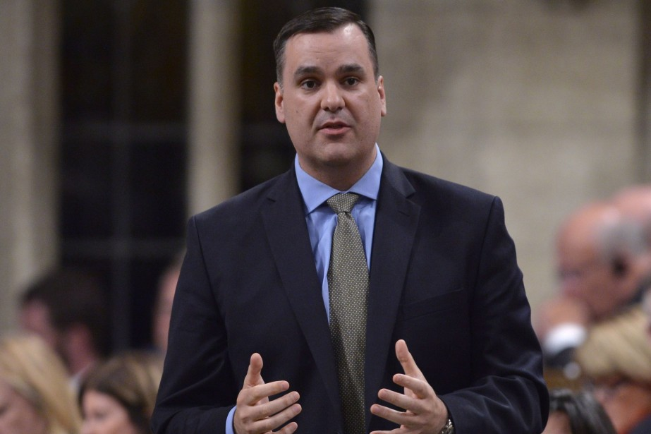 Le ministre canadien de l'Industrie, James Moore... (Photo Adrian Wyld, archives La Presse Canadienne)