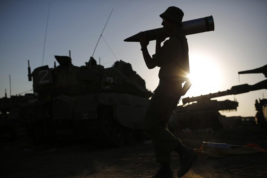 Alors qu'un dangereux compte à rebours était lancé,... (Photo AMIR COHEN, REUTERS)