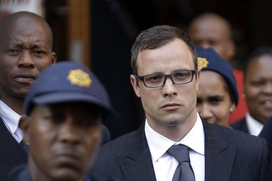 Oscar Pistorius est accusé du meurtre prémédité de... (Photo Themba Hadebe, archives AP)