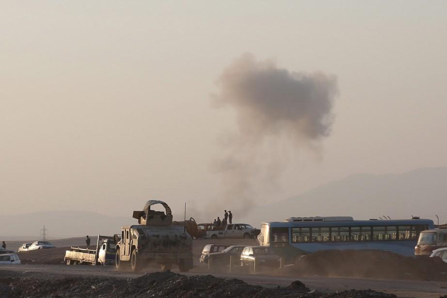 Des chasseurs américains ont bombardé des batteries d'artillerie... (Photo AP)