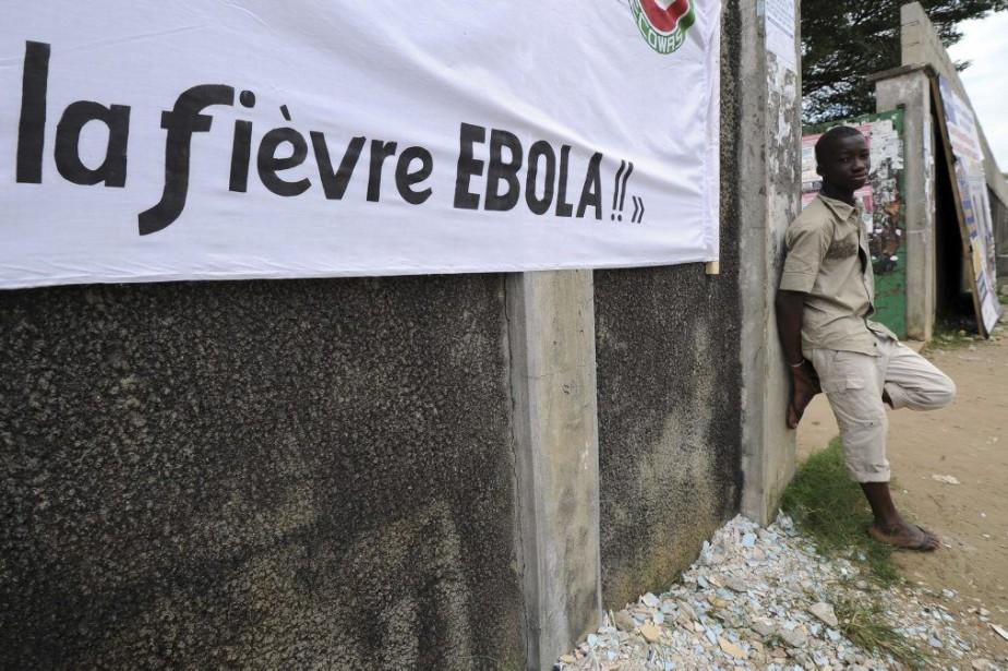 L'épidémie actuelle, la plus grave depuis la découverte... (PHOTO SIA KAMBOU, AFP)