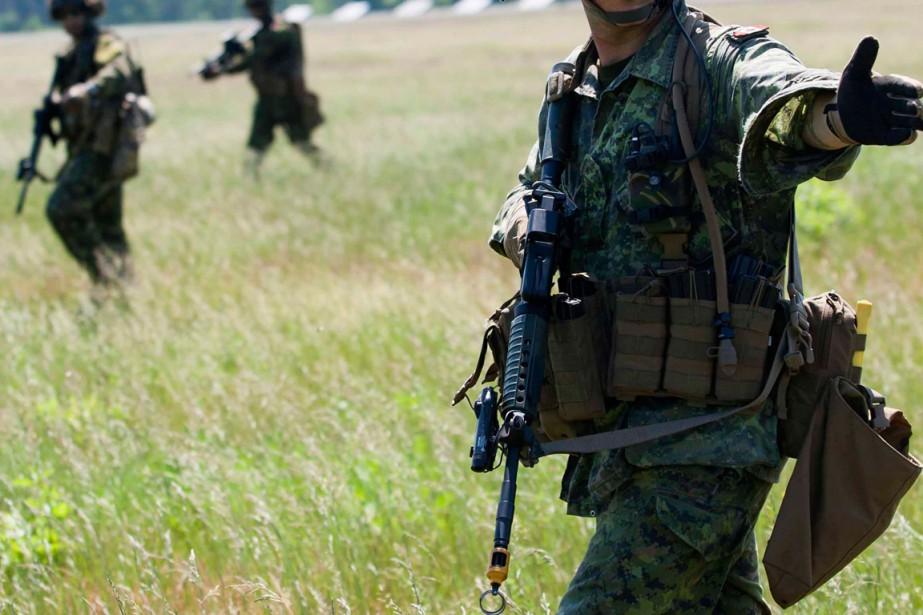 L'enquête sur la santé mentale dans les Forces... (PHOTO ARCHIVES REUTERS)