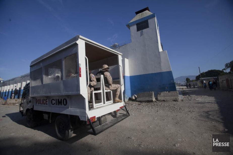 À la suite du séisme de janvier 2010,... (PHOTO DIEU NALIO CHERY, ASSOCIATED PRESS)