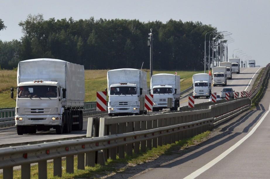 Formant une colonne de plus de trois kilomètres,... (Photo REUTERS)