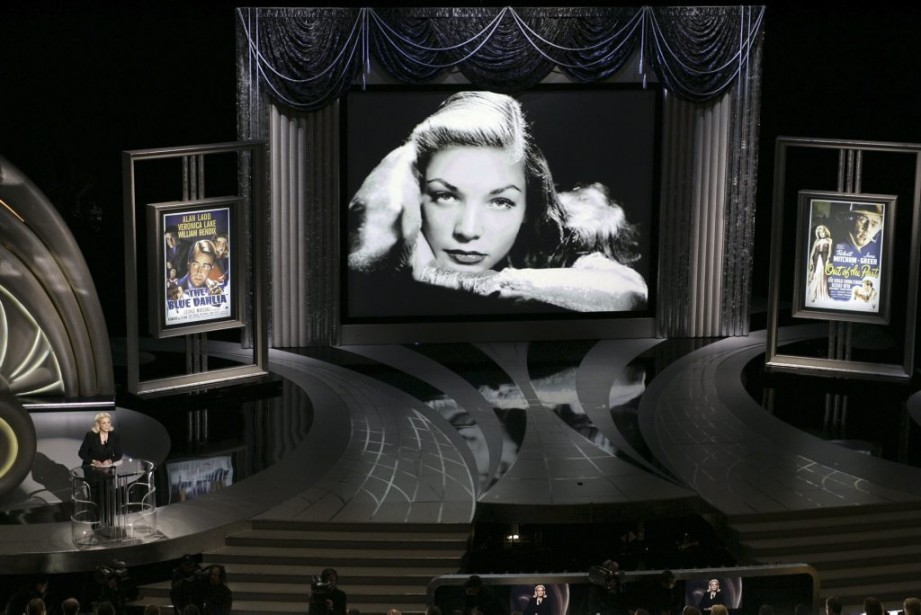 Lauren Bacall présente un hommage au <em>film noir</em> lors de la 78e cérémonie des Oscars. (AFP)