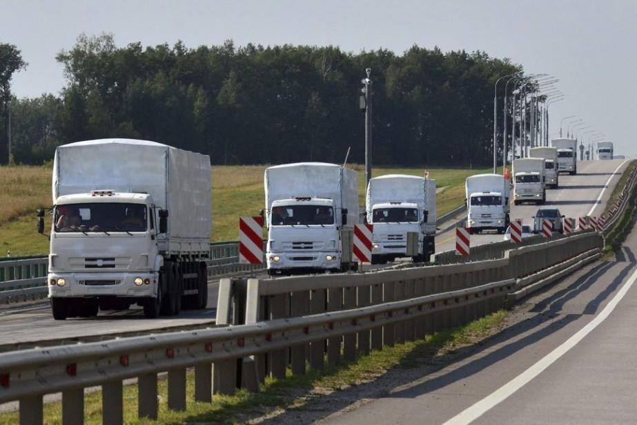 Le convoi est chargé selon Moscou de plus... (PHOTO NIKITA PAUKOV, REUTERS)