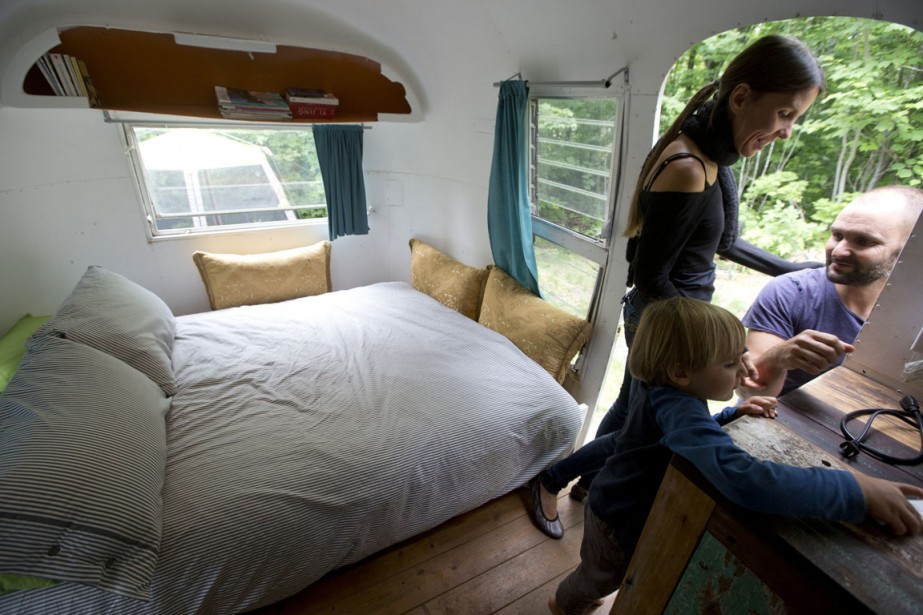 La chambre est installée à l'avant de la roulotte. (Photo François Roy, La Presse)