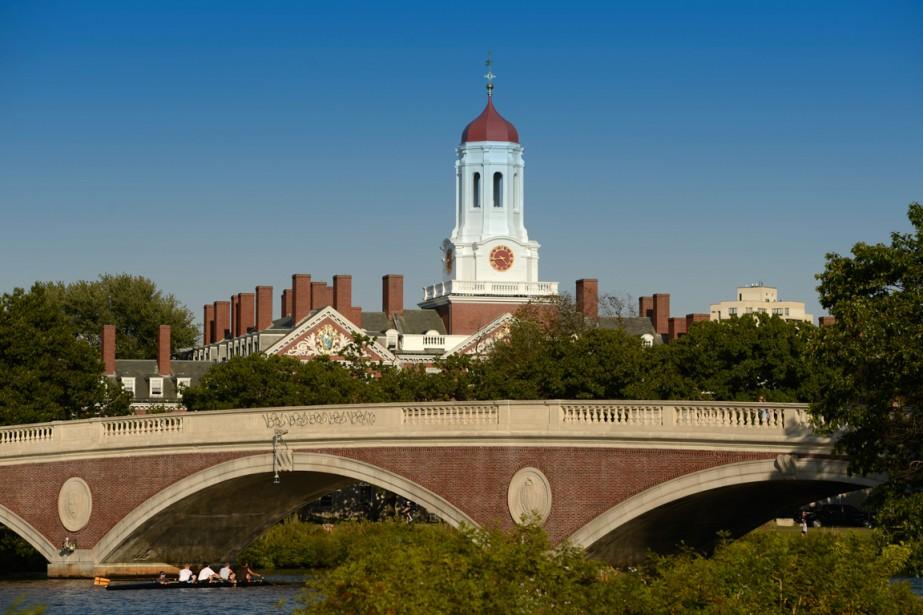 Le pont John W. Weeks à Cambridge, où il faut passer du temps durant une visite à Boston. (Photo Bernard Brault, Archvies La Presse)