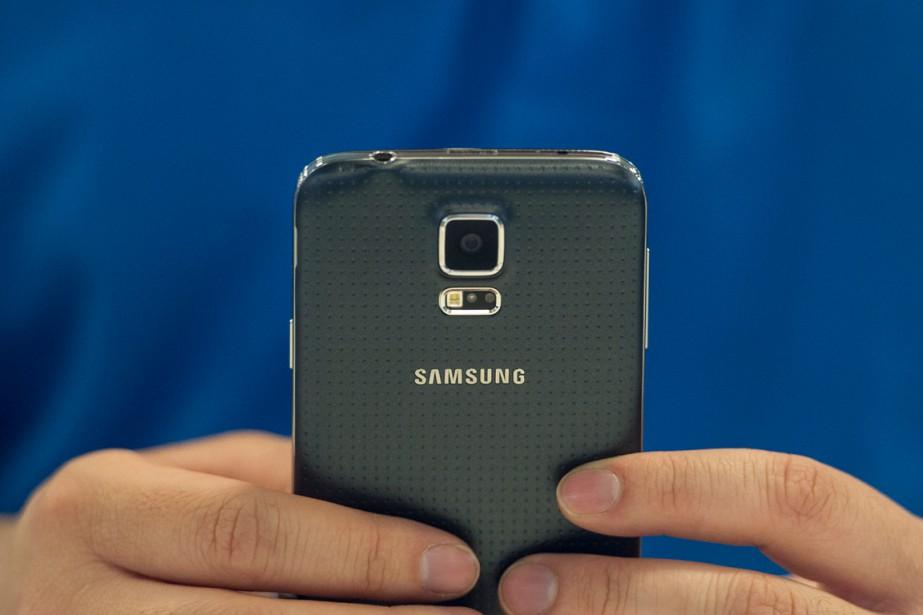 Samsung, numéro un mondial des téléphones... (PHOTO ARCHIVES BLOOMBERG)