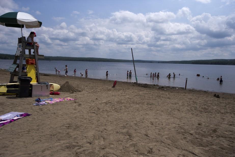 La plage du parc de la Yamaska est très populaire auprès des baigneurs. (Photo François Roy, La Presse)