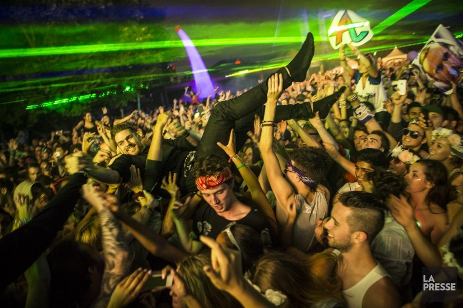 Le coup d'envoi du festival électro îleSoniq a... (PHOTO OLIVIER PONTBRIAND, LA PRESSE)