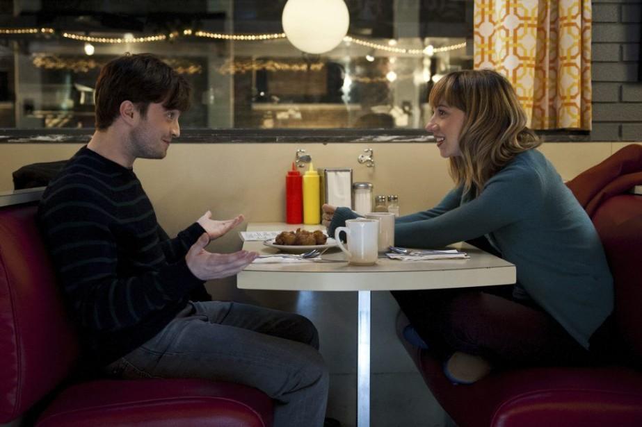 Daniel Radcliffe et Zoe Kazan dans une scène... (Photo: fournie par eOne/Séville)
