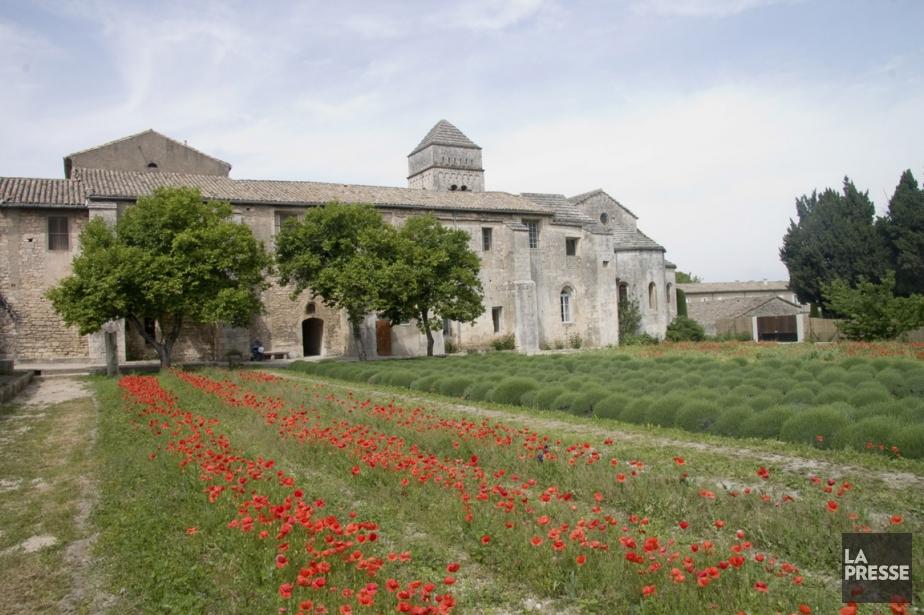 Le champ à l'arrière du monastère Saint-Paul, où... (Photo Andrée Lebel, La Presse)
