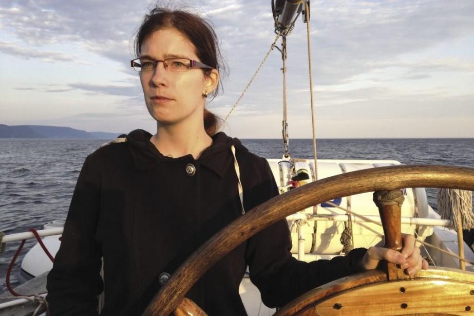 La stagiaire Fanny Charland Asselin à la barre... (Photo Alexandra Viau, collaboration spéciale)