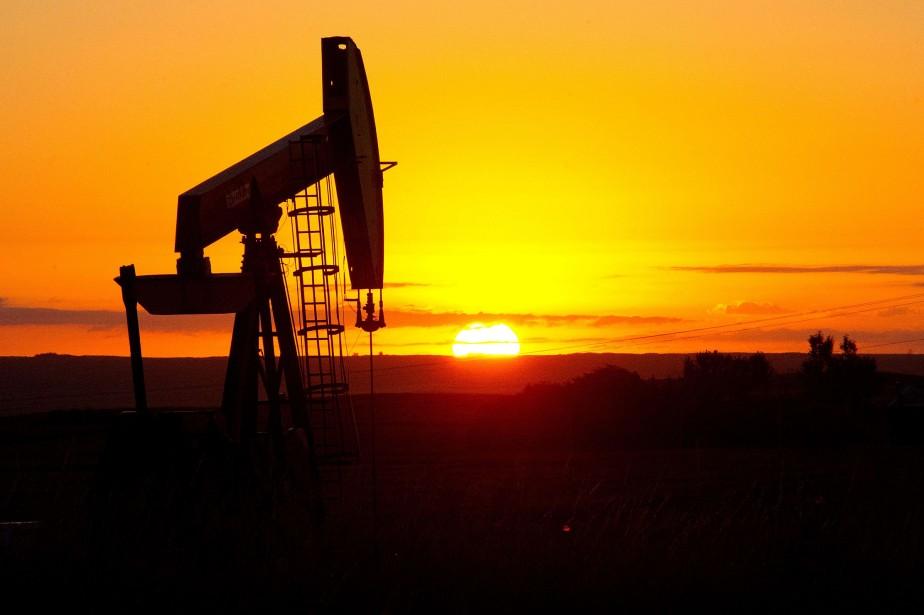 Le cours du pétrole coté à New York a terminé en baisse... (Photo archives AFP)