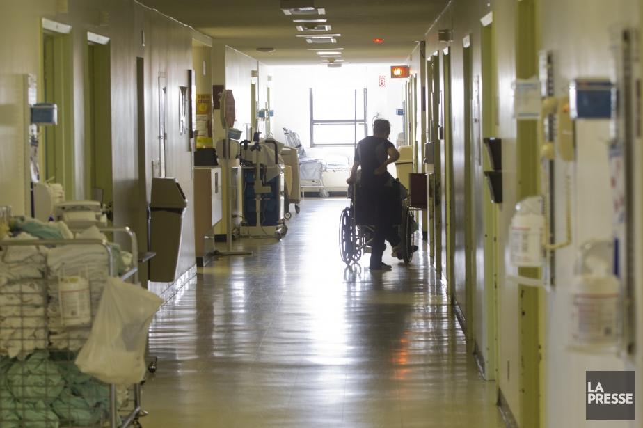 Le patient placé en isolement par... (PHOTO IVANOH DEMERS, ARCHIVES LA PRESSE)