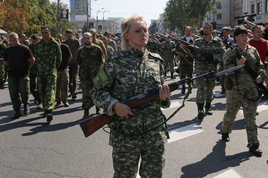 «Fascistes!», «Pédérastes!», «Vous tuez des enfants!», hurlait la... (PHOTO MAXIM SHEMETOV, REUTERS)