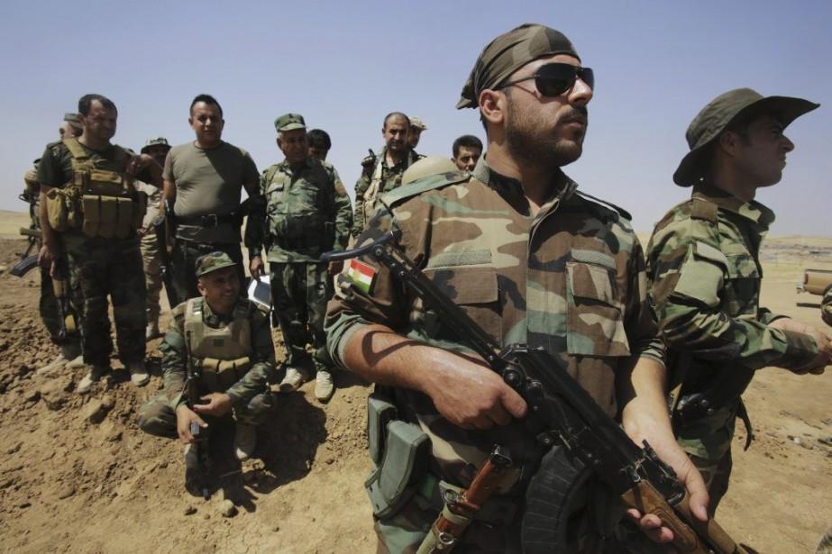 Les forces kurdes prennent position àOmar Khaled, à... (YOUSSEF BOUDLAL)