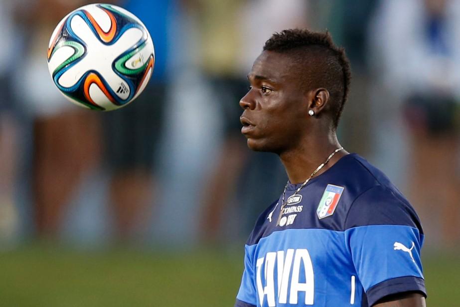 Mario Balotelli est considéré comme un des meilleurs... (Photo Toru Hanai, archives Reuters)