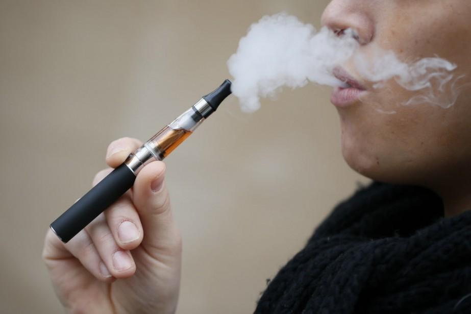 Le marché de la cigarette électronique, pris... (PHOTO KENZO TRIBOUILLARD, AFP)
