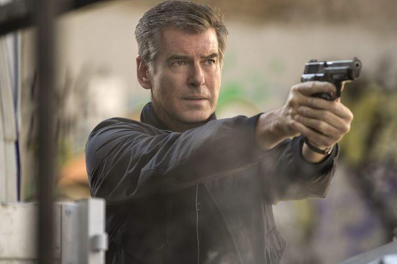 L'ex-James Bond Pierce Brosnan reprend les armes pour The... (Photo: AP)