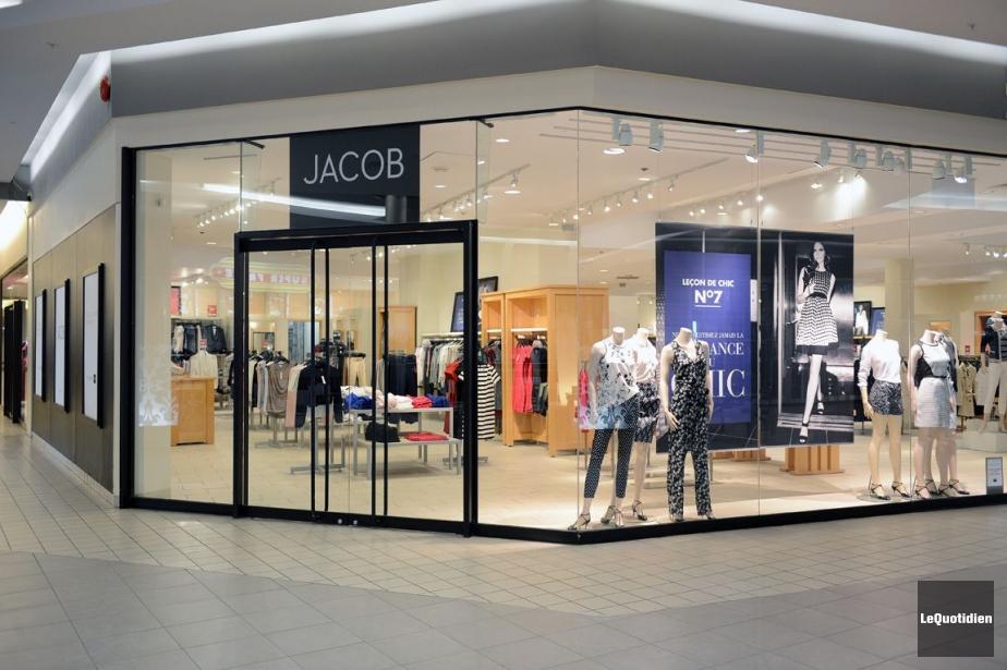 Le détaillant canadien de vêtements pour femmes Jacob... (Photo Jeannot Lévesque, Archives Le Quotidien)