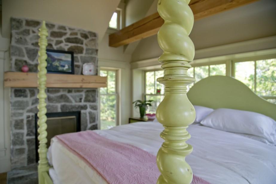 Chaque meuble a été choisi avec soin par les propriétaires. (Photo David Boily, La Presse)