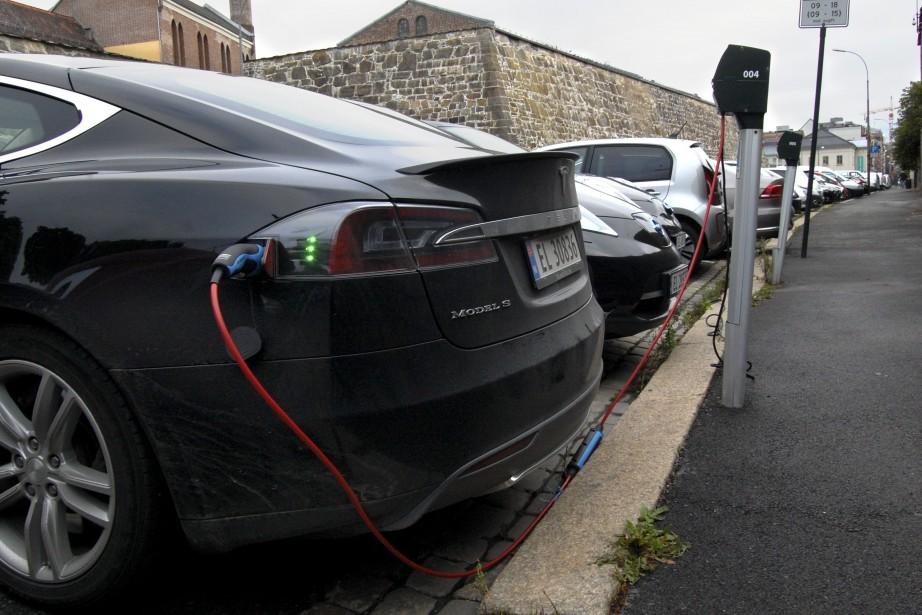 Les voitures électriques représentent déjà jusqu'à 85% du... (PHOTO PIERRE-HENRY DESHAYES, AFP)