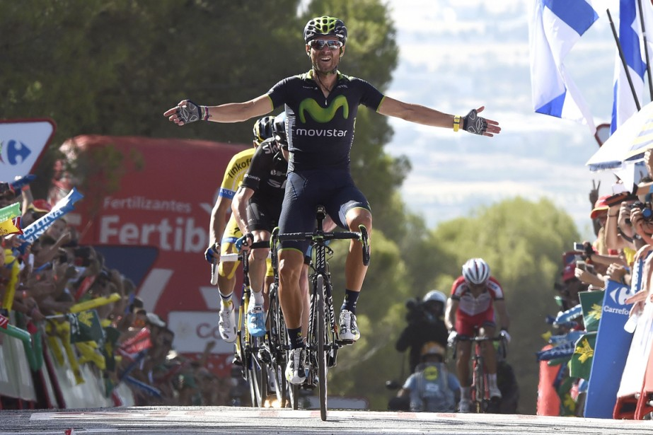 L'Espagnol Alejandro Valverde s'est emparé du maillot rouge... (Photo Jose Jordan, AFP)