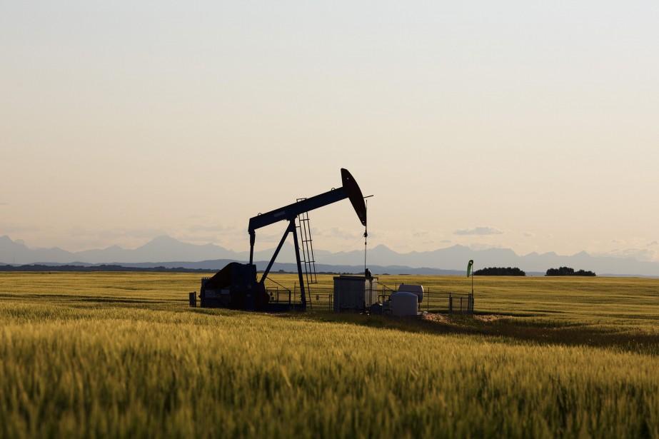 Les prix du pétrole ont nettement avancé vendredi à... (Photo archives Reuters)