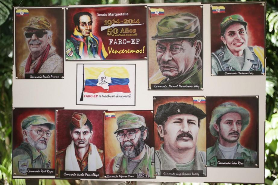 Un tableau représentant les membres fondateurs des FARC... (PHOTO ENRIQUE DE LA OSA, ARCHIVES REUTERS)