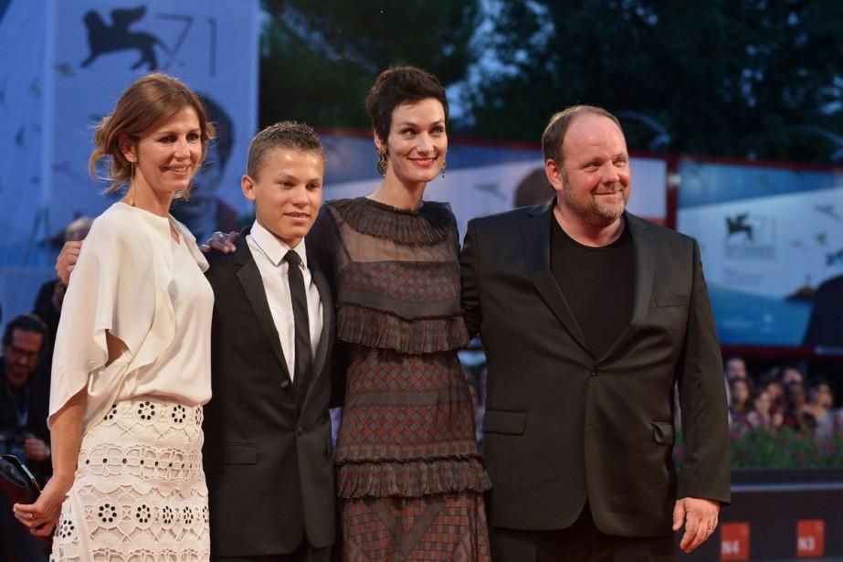Jour 8 - La réalisatrice Alix Delaporte ainsi que les acteurs Romain Paul, Clotilde Hesme et Grégory Gadebois ont présenté <em>Le dernier coup de marteau</em>. (Photo: AFP)