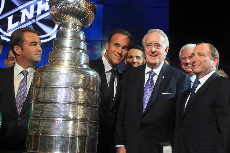 Geoff Molson (à gauche), président du Canadien de... (Photo Christinne Muschi, Reuters)