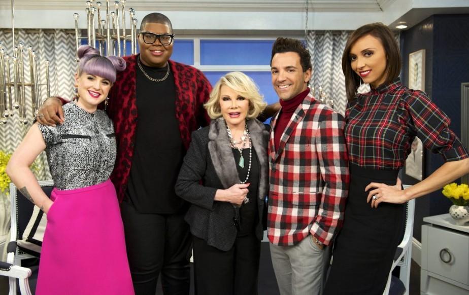 Kelly Osbourne, EJ Johnson, Joan Rivers, George Kotsiopoulos et Giuliana Rancic sur le plateau de l'émission <em>Fashion Police</em>. (Photo: AP)
