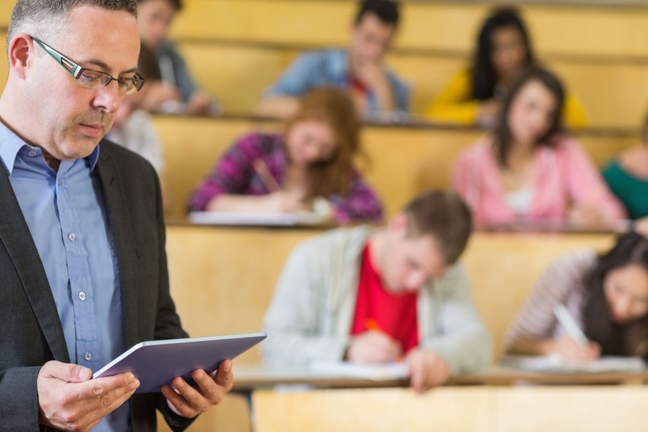 Les professeurs devraient recevoir des primes en fonction... (Photo Thinkstock)