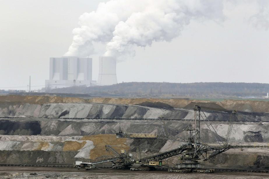 Lorsque l'intensité carbonique diminue, cela signifie qu'un pays... (PHOTO MICHAELA REHLE, ARCHIVES REUTERS)