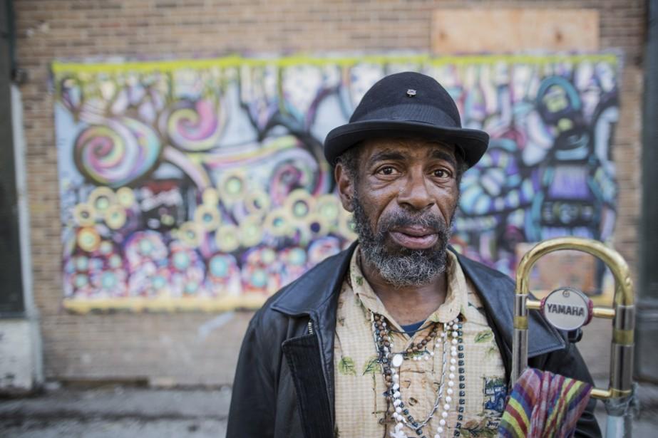 Le tromboniste Toney High, photographié au centre-ville de Detroit, a déjà accompagné les artistes Johnnie Taylor, Little Milton et Bobby Blues Band, aujourd'hui décédés. (Photo Edouard Plante-Fréchette, La Presse)